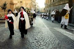 Enna, Sicilië, Italië 25 Maart, de godsdienstige Parade van 2016, in stad van Stock Fotografie