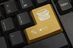 Ennegrezca el primer del teclado de ordenador Banco, concepto de las finanzas fotos de archivo