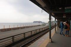 Enoden linje i Kamakura, Japan Royaltyfri Bild