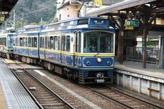 Enoden linje i Kamakura på den Hase stationen, Kamakura, Japan arkivbild
