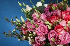 Enorm bukett av rosor Royaltyfri Bild