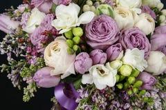 Enorm bukett av rosor Arkivbild