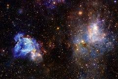Enorm galax i yttre rymd Starfields av ändlöst kosmos royaltyfri bild