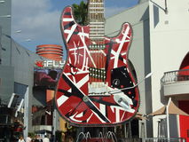 Enorm gitarr royaltyfri fotografi