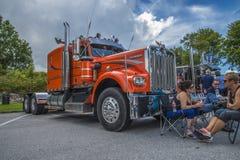 Enorm lastbil, kenworth Royaltyfri Foto