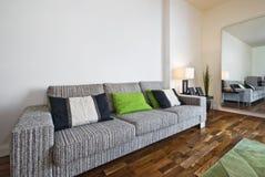 enorm sofa arkivfoto