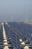 enorm sol- station Arkivfoton
