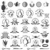 Enorm uppsättning av den ryska tetraditionslogoen för kafé, tehus, tebjudning, bageri eller affär Samovar, tekanna, kopp och anna stock illustrationer