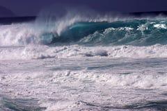 enorm wave Arkivbild