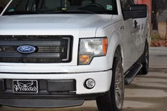 Enorma 2013 Ford F150 Arkivfoton
