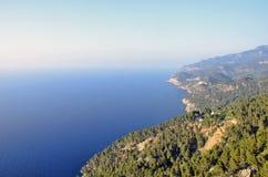 Enorma klippor i Majorica Arkivfoto