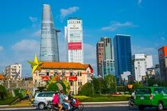 Enorma skyskrapor i Saigon chihominh vietnam Arkivbilder