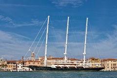 Enorma tre masted skonare i Venedig Royaltyfri Fotografi