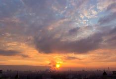 Enorme Abend-Wolken Stockfotografie