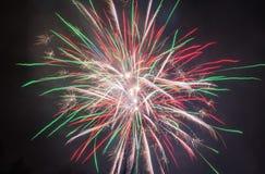 Enorme-fogos-de-artifício Imagem de Stock Royalty Free