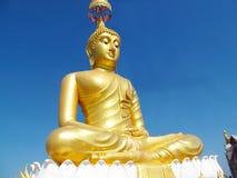 Enorme Gold-Farbe-Buddha-Statue Stockfotografie