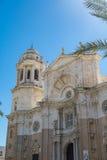 Enorme Kirche in Cadiz Spanien Stockbilder