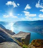 Enorme Klippenspitze Norwegen Preikestolen Stockbild