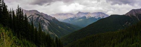 Enorme Meningen van de Pas van Rocky Mountain en van Cory stock afbeeldingen