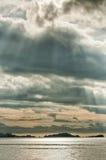 Enorme Panoramalandschaft Raja Ampat Papua Indonesias lizenzfreies stockbild