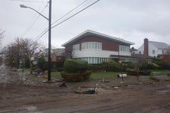 Enorme Verwüstung in der Zeit nach Hurrikan Sandy in weitem Rockaway, New York Stockfotos