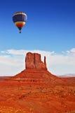 Enormer Ballon der Fliege eine stockbild