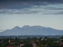 Enormer Vulkan von Soufrière in Guadeloupe lizenzfreie stockfotos