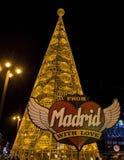 Enormer Weihnachtsbaum gemacht von den Lichtern an Puerta del Sol -Quadrat in Madrid Stockfotos