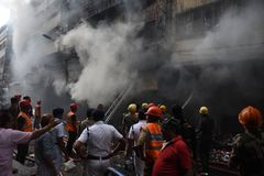 Enormes Feuer am Kolkata-Großhandel-Markt lizenzfreie stockfotos