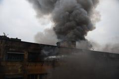 Enormes Feuer am Kolkata-Großhandel-Markt lizenzfreies stockfoto