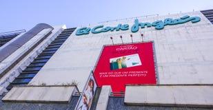 Enormes Kaufhaus in Lissabon das spanische Firmael Corte Ingles lizenzfreies stockbild