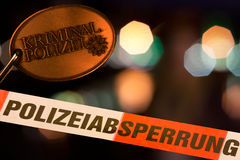 Enquête allemande de scène du crime de police Photos stock