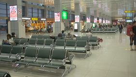 Enregistramiento dentro del aeropuerto Imágenes de archivo libres de regalías