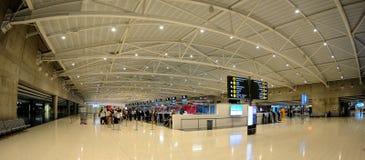 Enregistrement dans l'aéroport de Larnaca - Chypre Photographie stock libre de droits