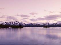 Enregistrez le lac Majavatnet Photographie stock