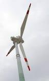 Enrole a lâmina para gerar a eletricidade com força do vento imagem de stock royalty free