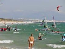 Enrolle practicar surf Imagen de archivo