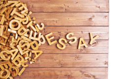 Ensaio da palavra feito com letras de madeira Fotografia de Stock Royalty Free
