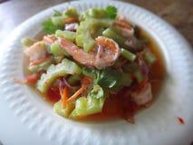Ensalada amarga del melón con los camarones Imagenes de archivo