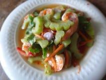 Ensalada amarga del melón con los camarones Foto de archivo
