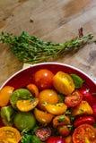 Ensalada colorida del tomate Fotografía de archivo