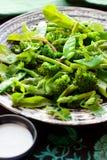Ensalada con bróculi; espárrago, guisante verde Fotos de archivo libres de regalías