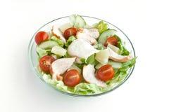 Ensalada con el pollo y las verduras frescas Imagen de archivo libre de regalías