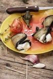 Ensalada con las berenjenas y los tomates imagenes de archivo