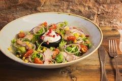 Ensalada con las verduras y la mayonesa Foto de archivo libre de regalías