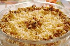 Ensalada con queso y la nuez Foto de archivo libre de regalías
