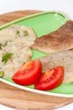 Ensalada cortada del tomate con la carne y el risotto fritos de la subida Imagen de archivo