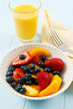 Ensalada de fruta colorida fresca Fotografía de archivo libre de regalías
