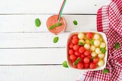 Ensalada de fruta colorida Ensalada de la sandía y del melón foto de archivo libre de regalías