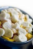 Ensalada de fruta del plátano y del mango Imagen de archivo